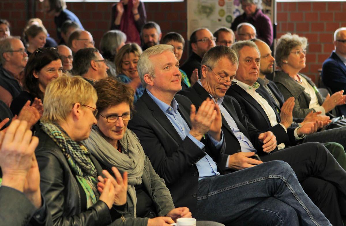 Minister*innen und Abgeordnete aus dem Bundestag und dem NRW-Landtag waren nach Bad Sassendorf gekommen.
