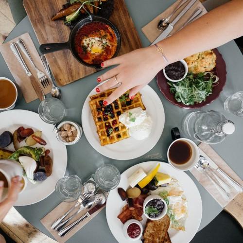 Frühstück Tisch Essen Menschen